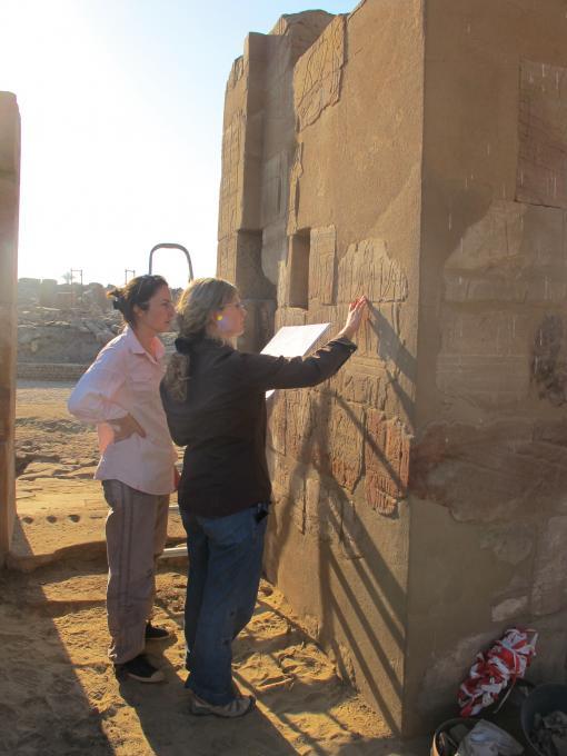 Hiéroglyphes de Neb Djefaou