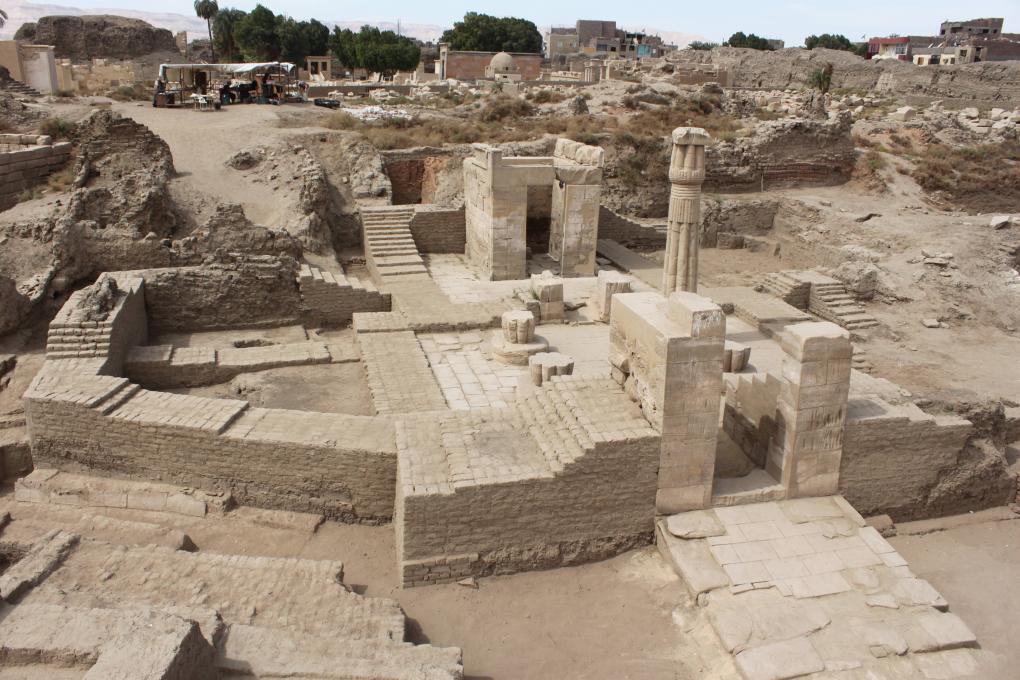 Karnak Chapelle Neb Djefaou